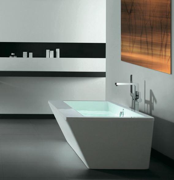 Freestanding bathtub with outside covering from SLIK (VERTEX)