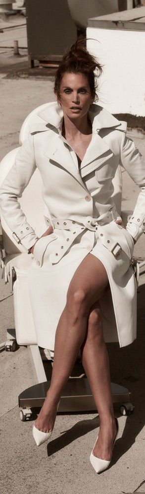 White Trench. Cindy Crawford