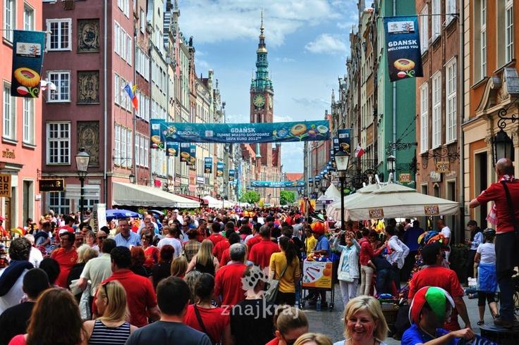 Gdańsk, ul. Długa, przed meczem Hiszpania-Włochy.