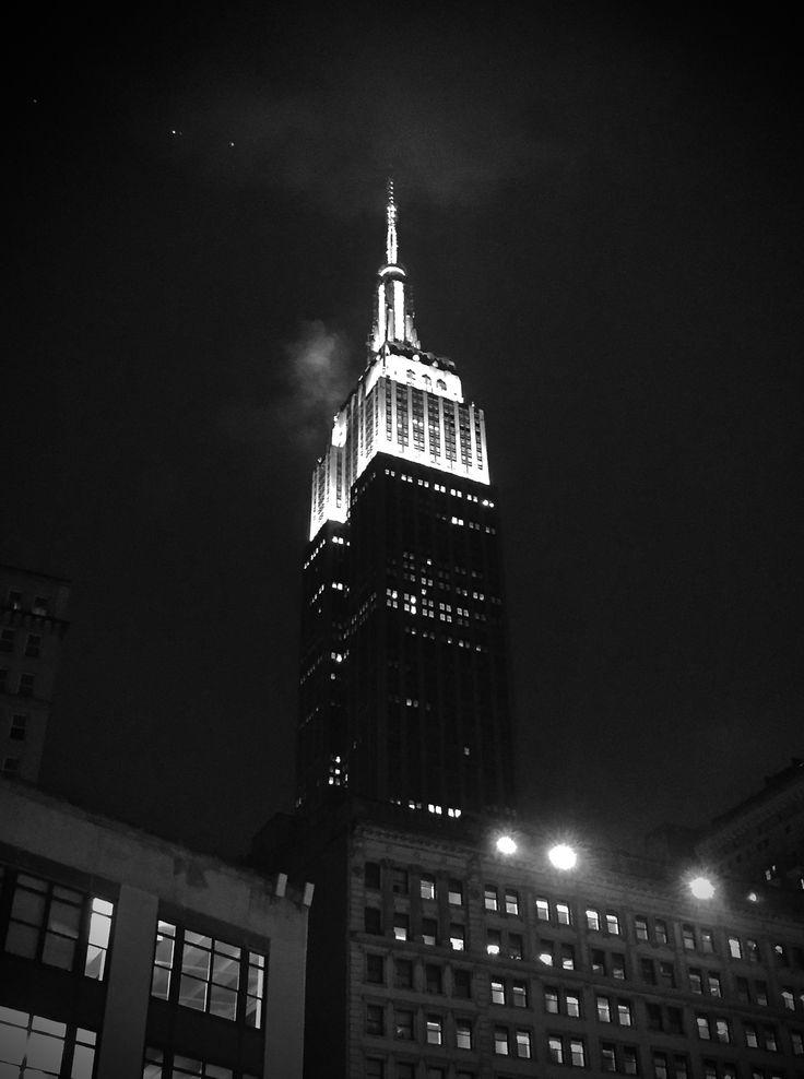 Um dos prédios mais marcantes de New York que não dá para não visitar. 🇺🇸✈️🗽