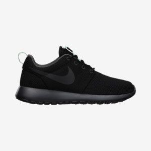 nike all black shoes