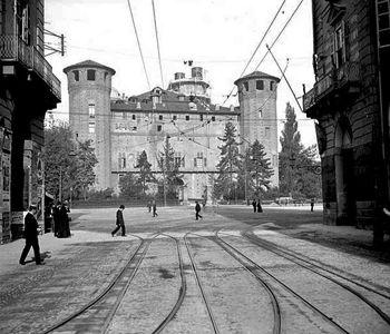 ME PIEMONT - FOTO STORICHE TORINO. Palazzo Madama visto da via Po