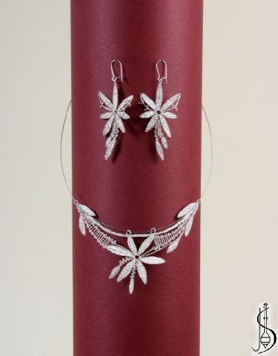 Souprava č. 10175      Pravé stříbro, cena: 1900,- kč . Další barevné varianty dle výběru ze vzorníku. ................................. C...