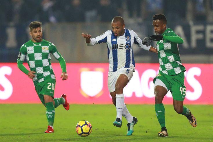 Na segunda parte, o F. C. Porto continuou a dominar o encontro e a criar as melhores oportunidades. Aos 52 minutos, Alex Telles viu a trave negar-lhe o golo e Felipe, na recarga, tentou a sorte. mas Ruben Lima fez um corte decisivo.