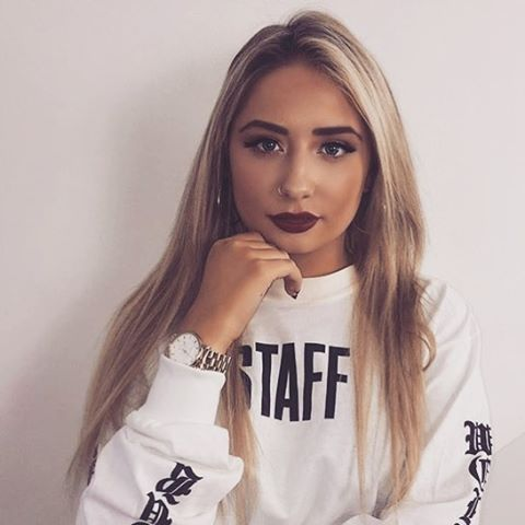 Saffron can you give some of your gorgeousness to me please?! @saffronbarker