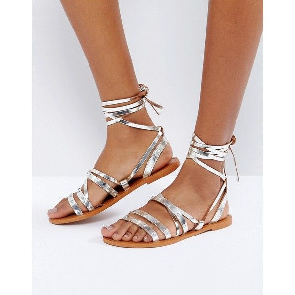 Pull&Bear Metallic Tie Up Leather Sandals (60 AUD) ❤ liked on Polyvore featuring shoes, sandals, silver, monk-strap shoes, metallic leather sandals, strappy lace up sandals, leather sandals and tie sandals