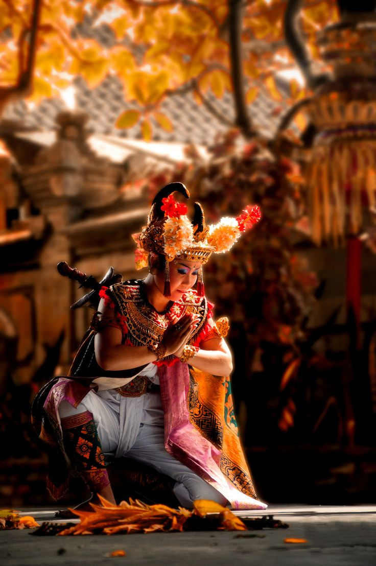 Barong Dance by Saravut Eksuwan on 500px