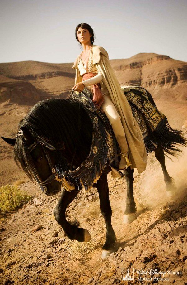 *This always bothers me in movies. Directors will use a Friesian because they're dramatic and pretty, without any thought to environment or historical accuracy. Is a Friesian practical in the desert? Hell no. Is it pretty on screen? Hell yes.