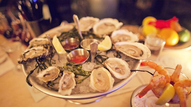 The 10 best oyster happy hour spots in NYC