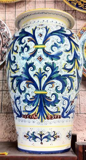 http://ceramicherinascita.altervista.org/portaombrelli/