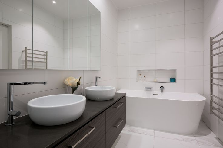 Master Ensuite. Mark Scowen Photography