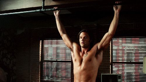 11 times Sam was topless for practically no reason. This list is glorious, but this is my fave GIF: Sam Shirtless Pullup From Front
