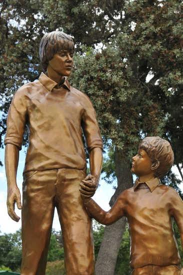 Memorial Statue of Steven Stayner & Timmy White *