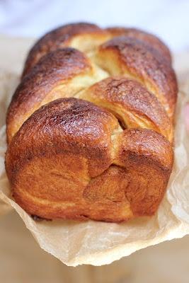 The Devil's Food Advocate: Cinnamon Swirl Brioche and Honey Butter: Swirls Brioches, Breads A Carb, Cinnamon Swirls, Butter Recipes, Food Advocate, French Loaf, Honey Butter, Devil Food, Breads Biscuits