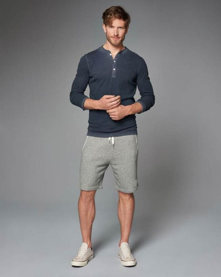 Bermudas Moletom Masculina, são as novas queridinhas do mundo masculino! A moda masculina vem juntando vários estilos com peças coringas e não seria diferente com a bermuda moletom! Clique no site e saiba mais!
