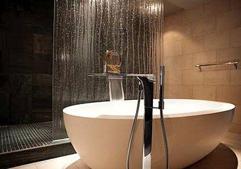 Teuco FEEL  #bathtub at the Liverpool Hilton