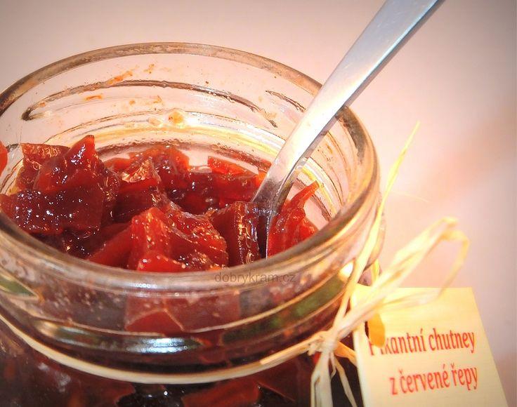 Pikantná chutney z červení řepy je pěkně červené!