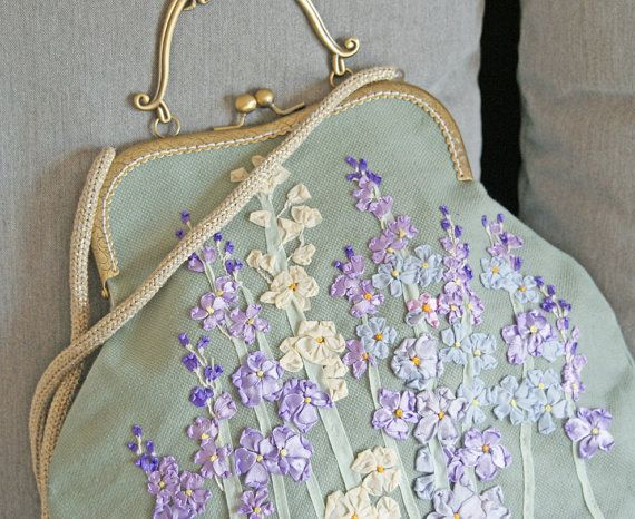 17 best ideas about embroidered bag on pinterest tribal bags embroidery stitches and stitching. Black Bedroom Furniture Sets. Home Design Ideas