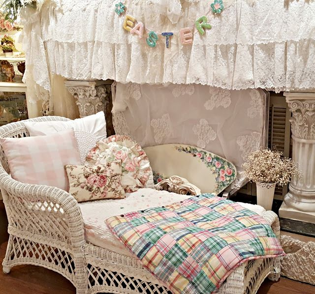 15 must see white wicker pins white wicker furniture white wicker patio furniture and white - Chaise daling ...