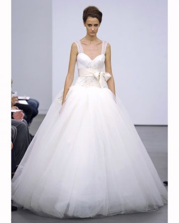 100 best wedding dress fashion images on pinterest short for Vera wang princess ball gown wedding dress
