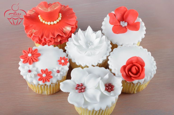 #cupcakes #flowers #red #rose #pearls #elegant #dessert #red dress
