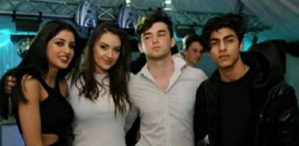 Amitabh Bachchans granddaughter Navya Naveli parties HARD with Shah Rukh Khans son Aryan Khan!