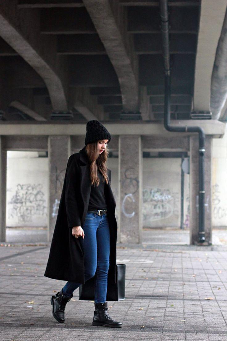 http://justherfashion.blogspot.com/  BLACK COAT