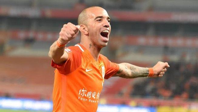 hhttp://hojeemdia.com.br/esportes/ap%C3%B3s-8-meses-diego-tardelli-volta-a-campo-e-faz-gol-da-vit%C3%B3ria-contra-bicho-pap%C3%A3o-chin%C3%AAs-1.451057  Após 8 meses Diego Tardelli volta a campo e faz gol da vitória contra 'bicho papão' chinês