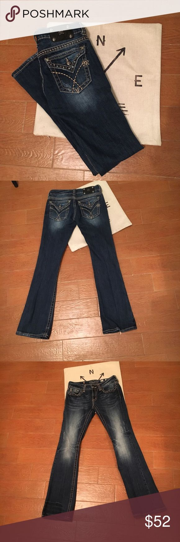 Miss Me Jeans Sz 27 Bootcut Adorable Miss Me Jeans! Size 27 inseam 32 Bootcut. Gently used only worn a few times. All gems are intact! Lightly distressed. Miss Me Pants Boot Cut & Flare