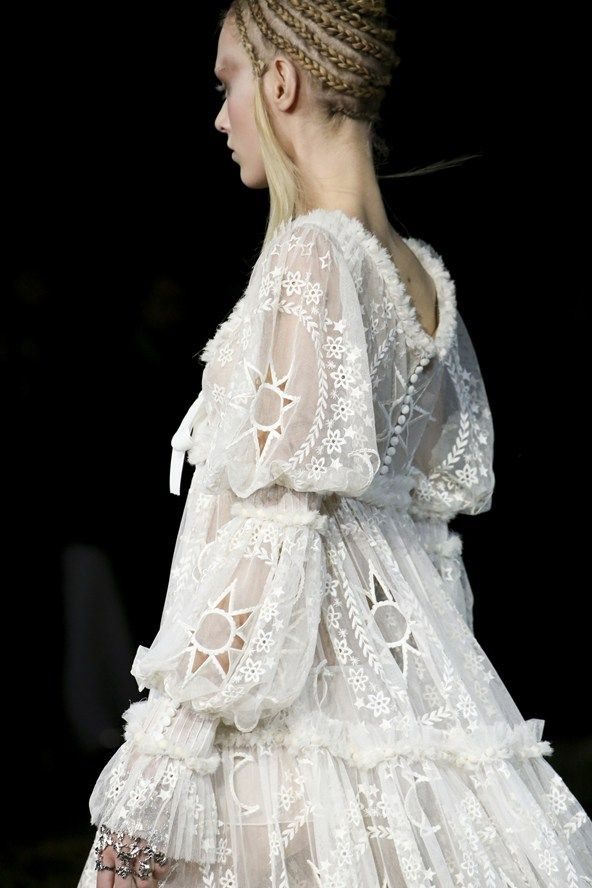 Alexander McQueen Fall Winter 2014