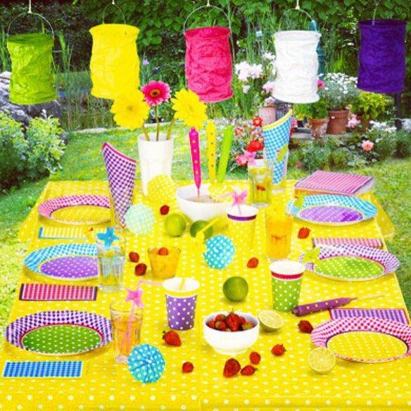 Yazin keyfi dostlarla cikar Kullan-at urunlerle bahce, balkon, havuz davetleriniz hem sik hem pratik olsun, siz de keyfini cikarin  #kullanat #parti #davet #party #havuzpartisi #bahcepartisi #piknik #yazpartisi #eglence #instaparty #partimalzemesi #instafun #gardenparty #poolparty #partipaketi