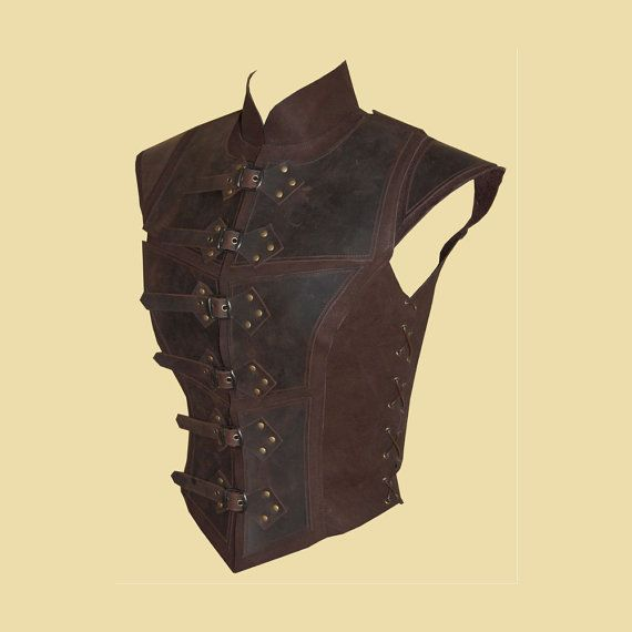 Reinforced jerkin for women made of leather par Larperlei sur Etsy
