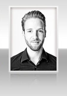 Michael Senner Mit Leidenschaft und Herzblut Er kennt die Friseurbranche wie seine Westentasche und ist erfolgreich für TIGI als Mitglied im Creative Team unterwegs.  Für diesen Kandidaten abstimmen: salonstar.menschenimsalon.de/voting#stage-artist  Weitere Infos: http://www.dieliga.info/