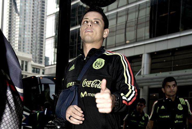 chicharito hernandez manchester united jersey