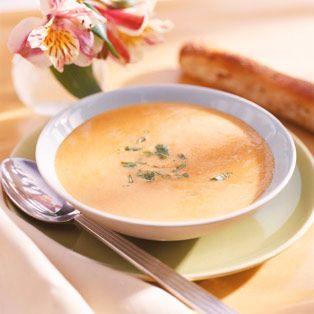 Descubre como preparar paso a paso la receta de Crema de langostinos. Te contamos los trucos para que triunfes en la cocina con Sopas/Cremas para chuparse los dedos