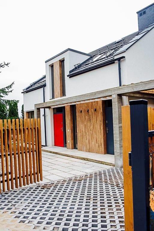 600zł Obiekt ArtHouse Pelnik to wolno stojący dom wakacyjny zlokalizowany we wsi Pelnik, 22 km od Olsztyna.