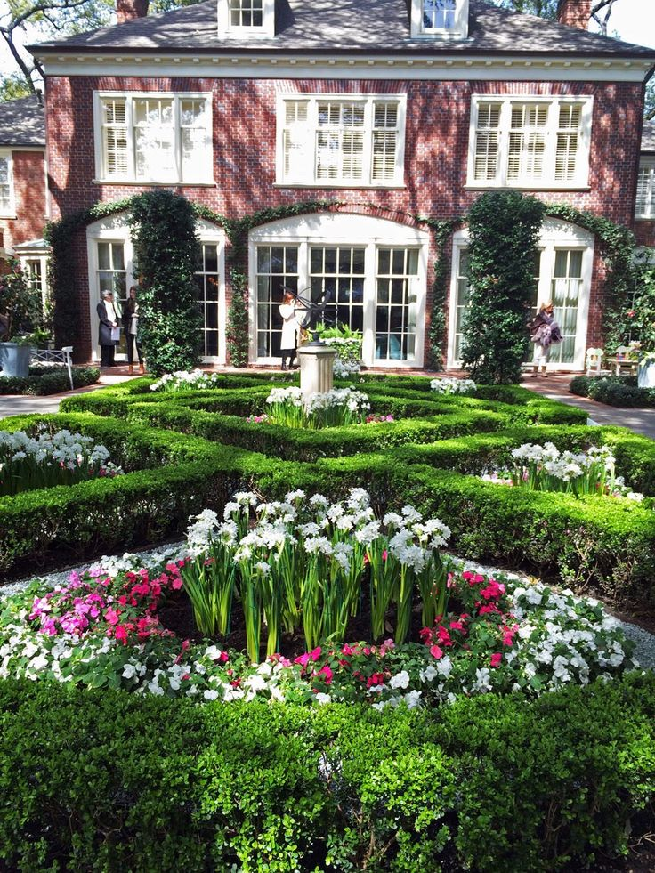 Landscaping And Garden Design By Johnny Steele | Houston River Oaks Homes +  Gardens | Fine