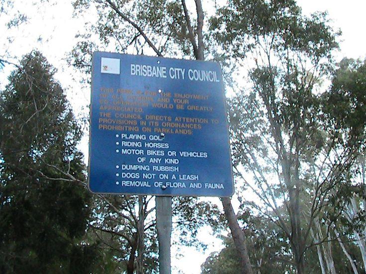 Instructional signage - Dorrington park