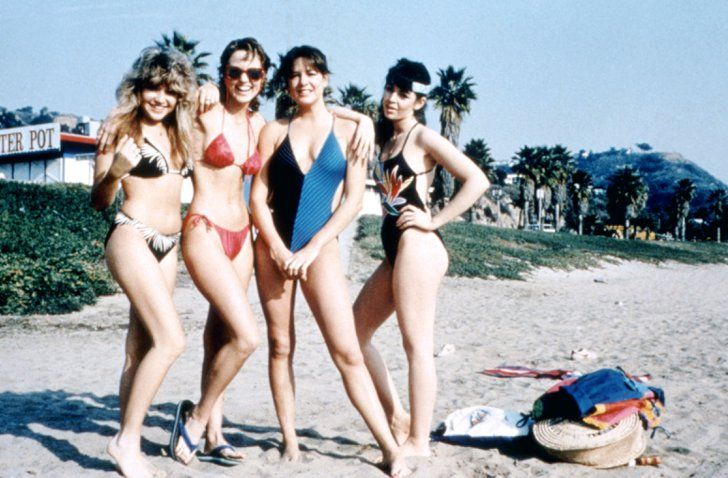 Pin for Later: The Most Memorable Movie Beach Scenes Valley Girl The Valley girls bring their mad '80s style to the beach, sporting skimpy tops, big sunglasses, and headbands.