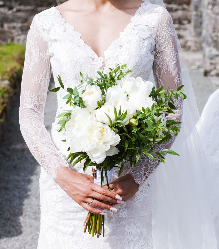Wedding dress #bride #wedding #norway #weddingphotography #weddingday #miriamfoto