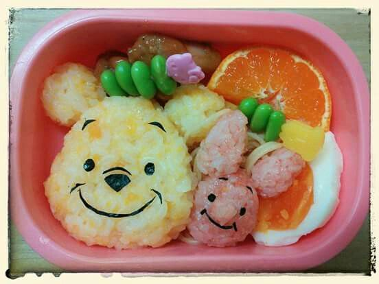 "Poo and Piglet riceballs. Findoutmore characterbentos onFacebooksite""Cool&KawaiiCharacterBento""!!"