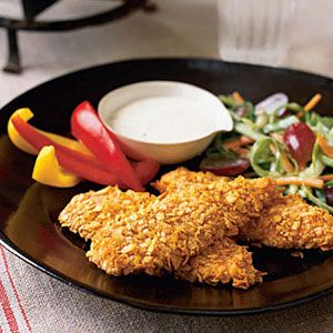 Keep their stomachs full during the game with these deliciously crunchy chicken fingers #Superbowl #recipes