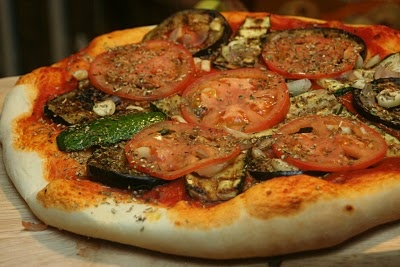 Grilled veggie pizza, yes please. | Food that I have made or would li ...