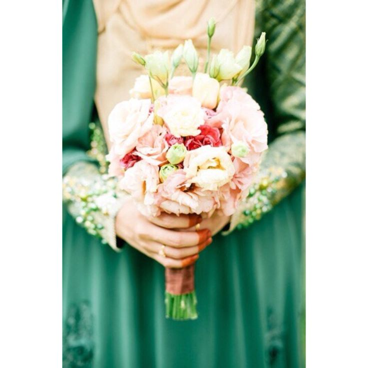 ; Eustoma and carnation hand bouquet