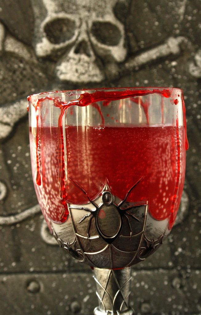 Bloody Halloween Herbal Cranberry Punch is nice and herby, tasty, fruity and with the cinnamon stick… spicy! Definitely witches-brew worthy.