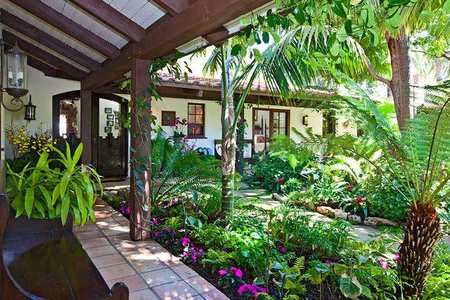 tropical plants around veranda Google Image Result for http://www.homebunch.com/wp-content/uploads/23155MariposaDeoro37.jpg