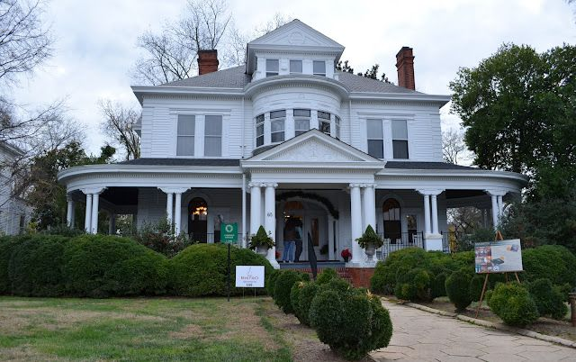 A Christmas Tour of Historic Homes in Marietta, Georgia