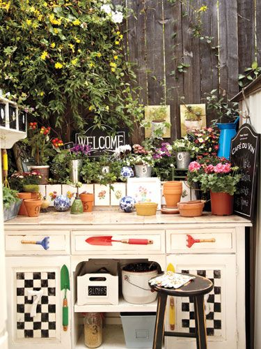 Create a Space: Gardens Fun, Gardens Haven, Work Stations, Gardens Gnomes, Gardens Stations, Pots Stations, Outdoor Gardens, Backyard Gardens, Pots Benches