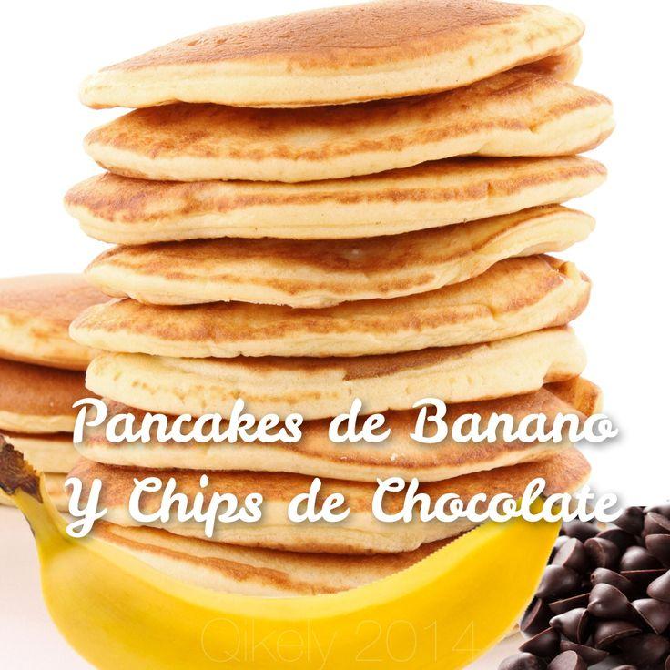 Receta Fitness Qikely:  Quieres un desayuno variado, saludable y sobre todo delicioso!  Aquí esta receta con la que empezaras tu dia con el delicioso sabor de la Avena, el banano y el chocolate! #avena #recetafacil #pancakes #fit #desayuno #chocolate #banano