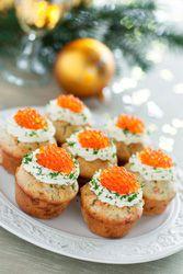 Muffins au saumon et au parmesan de beaux amuses bouches pour bien debuter le repas